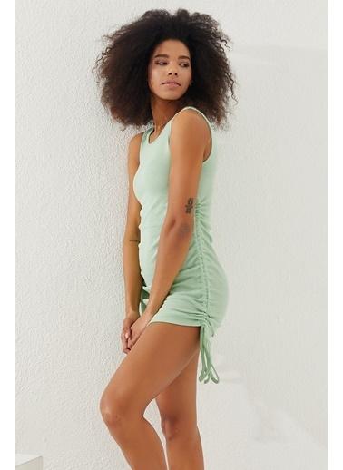 Reyon  Kadın Yanları Büzgülü Sıfır kol Elbise Nar çiçeği Yeşil